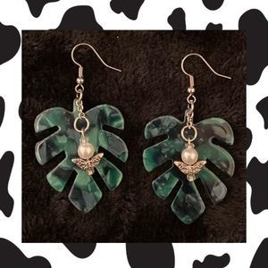 Monstera Leaf and Butterfly Pearl Earrings